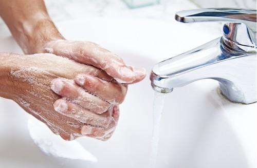 Каждые тридцать минут мойте руки.